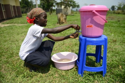 """Clean hands, zero microbes"": the DRC and UNICEF celebrate Global Handwashing with Soap Day"