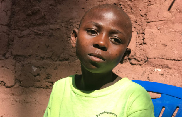 Tanganyika : after being displaced, Freddy returns to school