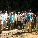 Carnets de route en RD Congo – Episode 9: Goûter l'eau pour convaincre