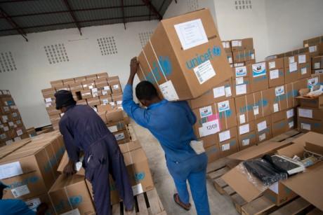 L'UNICEF remet à la province du Katanga les Equipement des Structures Sanitaires (PESS)
