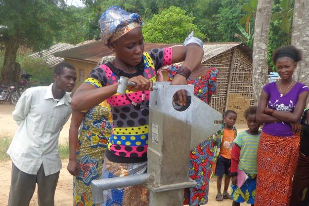 Women, the secret of sustainable access to drinking water
