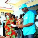 Le coach Florent Ibenge participe à la campagne d'enregistrement des nouveaux nés à l'état civil