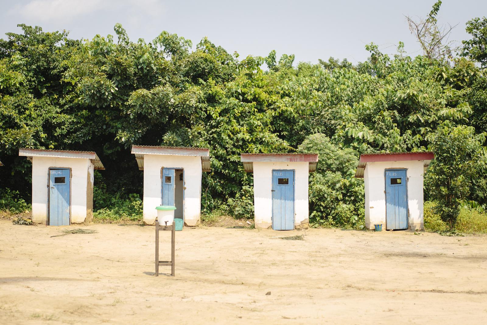Les latrines, importantes pour la santé des enfants