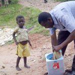 Les Enfants Réclament la Vaccination Contre la Polio