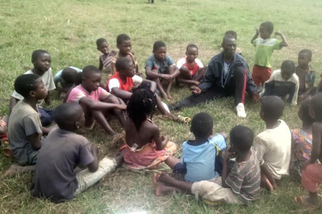 Des centaines d'enfants séparés de leurs parents après l'éruption du Nyiragongo, j'en ai rencontré un