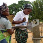 Des Mamans Réparatrices pour maintenir l'accès à l'eau potable