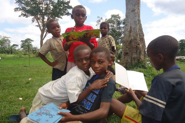 Les enfants pygmées ont aussi droit à l'éducation !