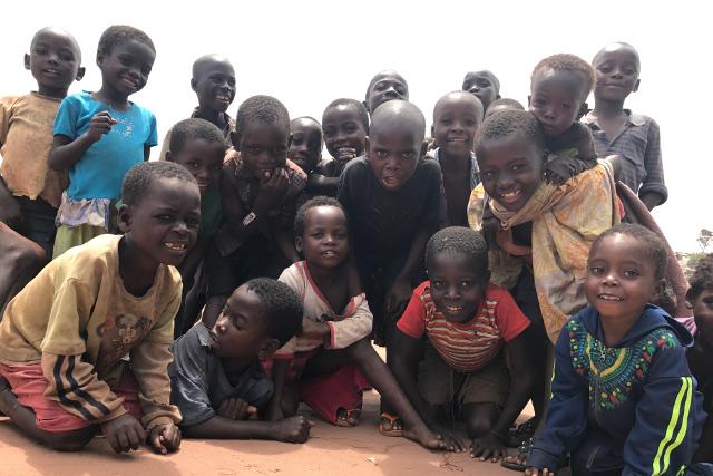enfants déplacés au Tanganyika