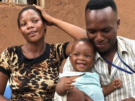 A happy family thanks to maternal breastfeeding