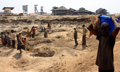 Gold mining in order to go to school – Wathum's story
