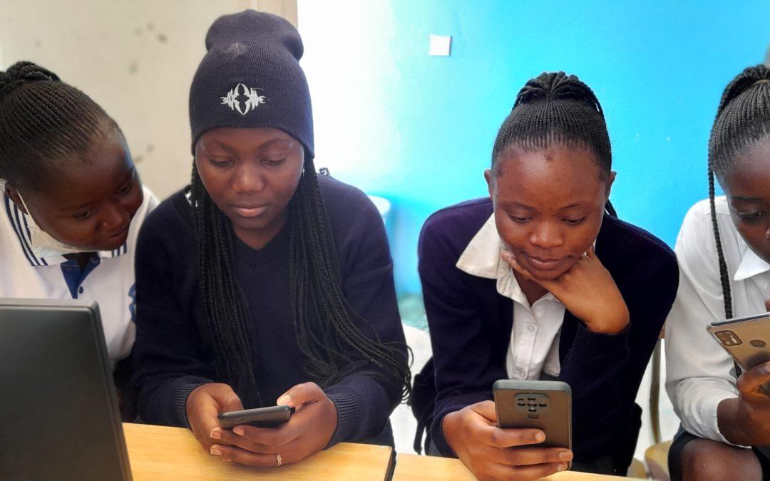 Kipushi : ce que les élèves se racontent dans un groupe WhatsApp