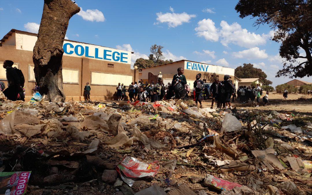 Une déchargedevant le collègeEvannyde Kipushi indispose les élèves