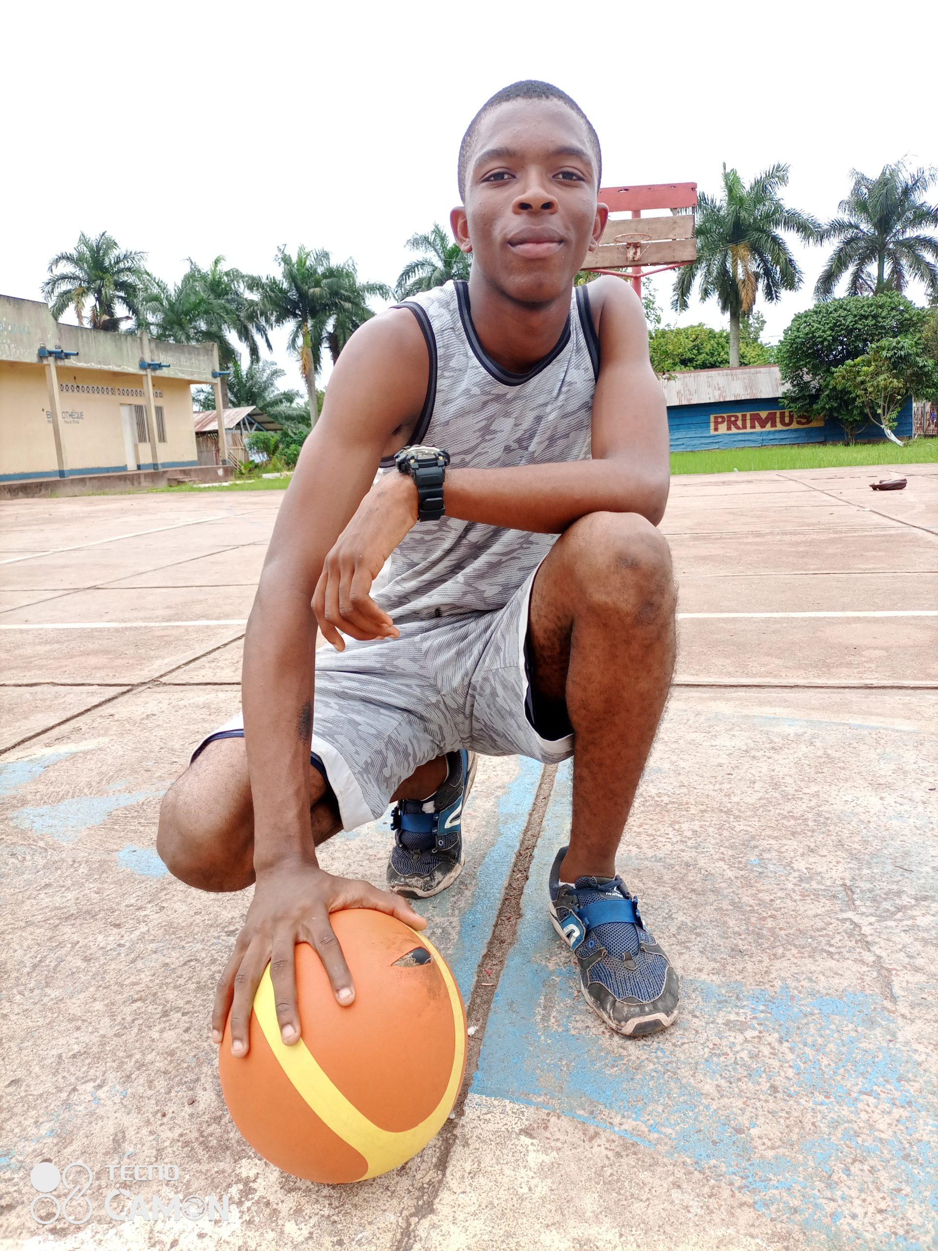 Jeune basketteur