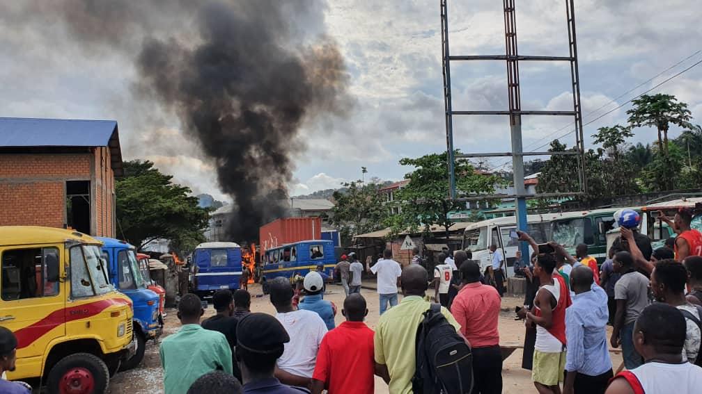 À Matadi, un élève meurt devant son école coincé entre un conteneur et un bus